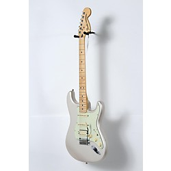 Fender Deluxe HSS Stratocaster with Maple Fingerboard Blizzard Pearl 19083906305 -  USED005001 0147202355