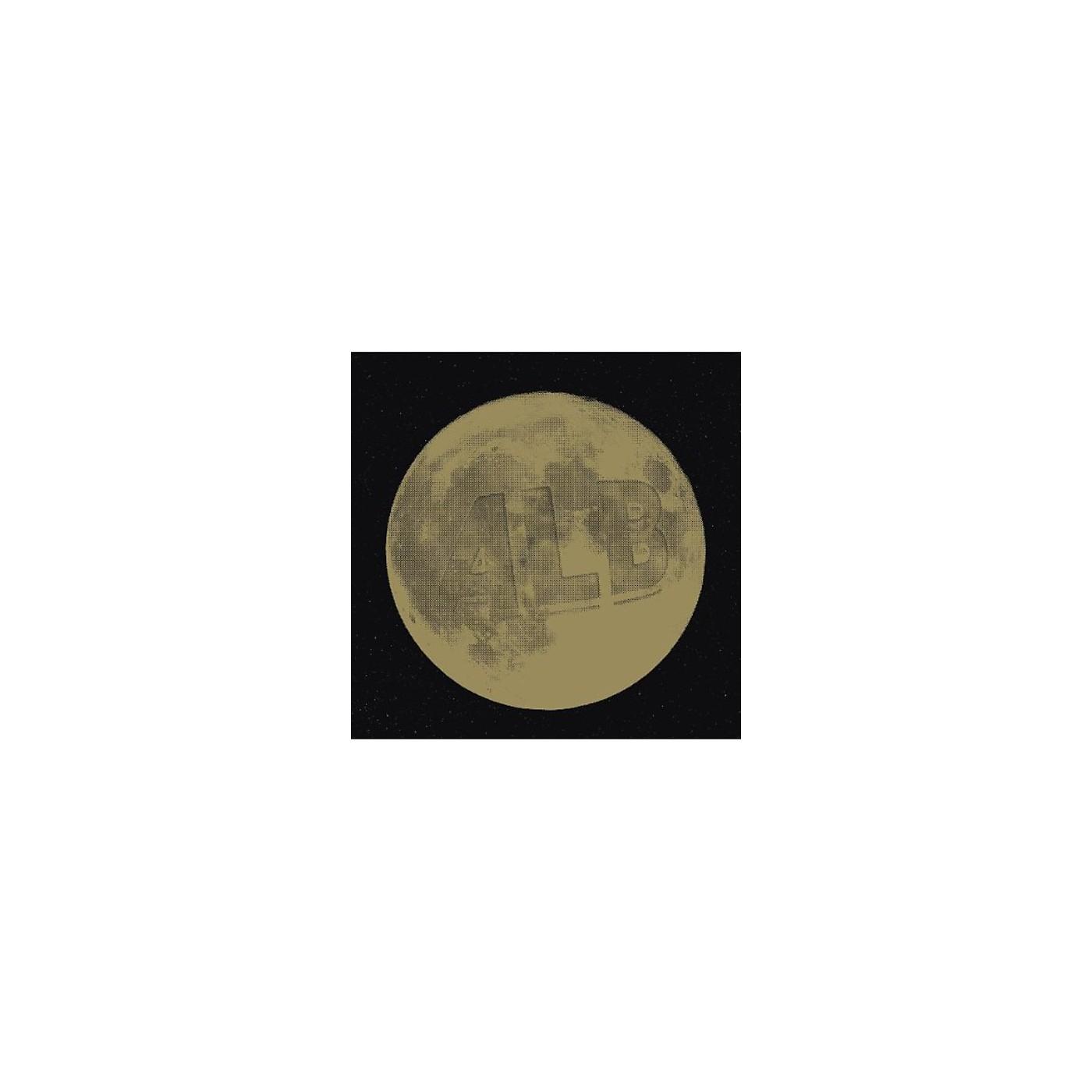 Alliance Alb - Whispers Under the Moonlight/Golden CH thumbnail