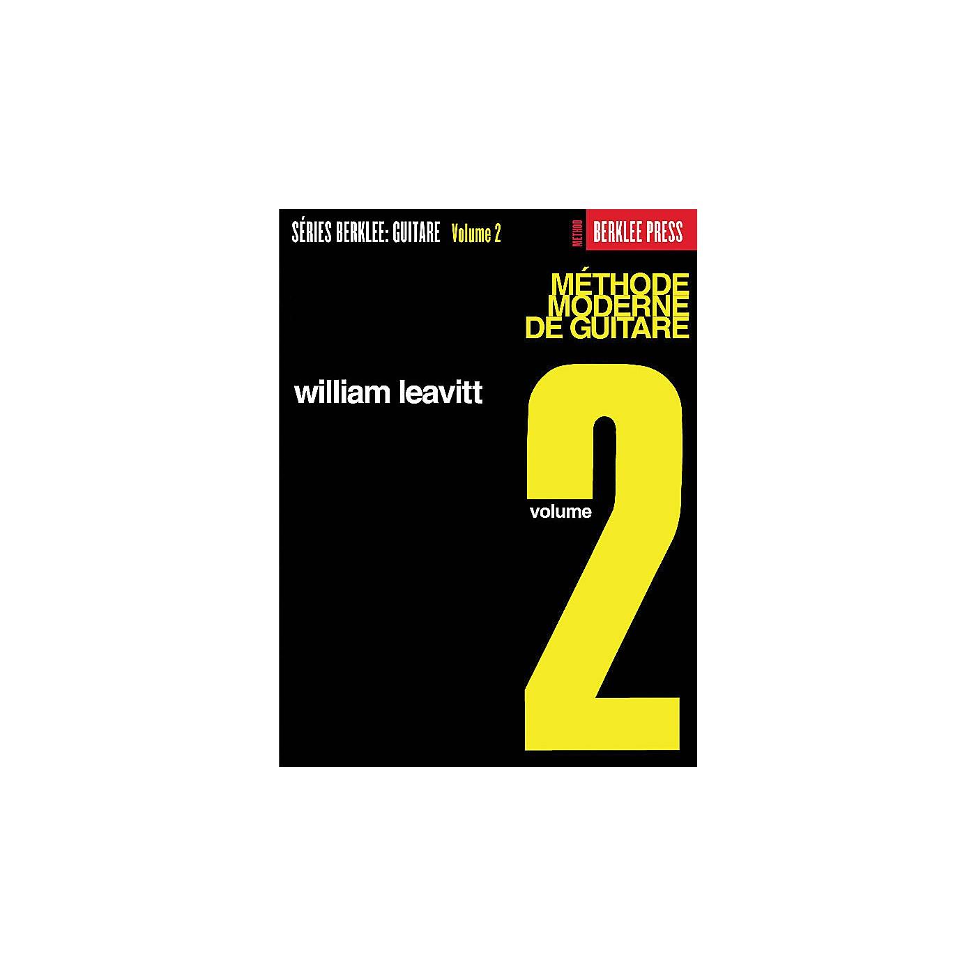 Berklee Press Modern Method for Guitar 2 (French Edition) Berklee Methods Series Written by William Leavitt thumbnail