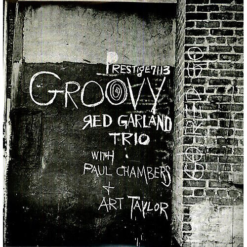 Alliance Red Garland - Groovy thumbnail