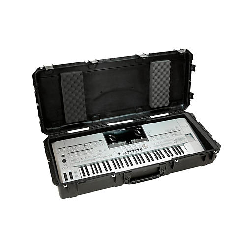 SKB iSeries Watertight 61 Note Keyboard Case w/Wheels-thumbnail